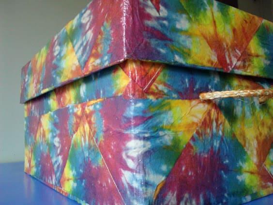 Tutorial on napkin decoupage keepsake box - tie Dyed storage box with lid