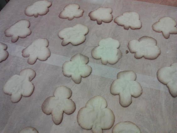 shamrock-shaped-cookie