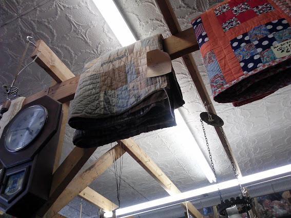 antique-quilts-hazel-kentucky