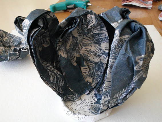 attach-petal-to-backside-jar-lid