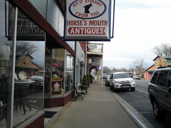 horses-mouth-antiques-hazel-kentucky