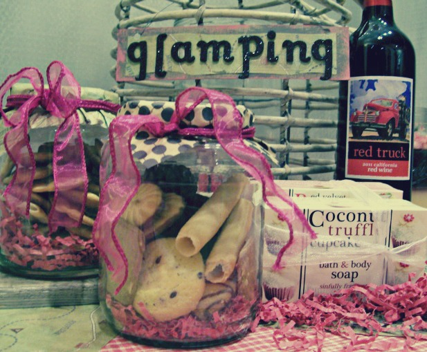 StowandTellU-glamping gift basket