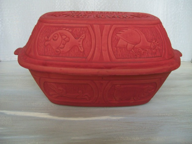clay pot roaster red