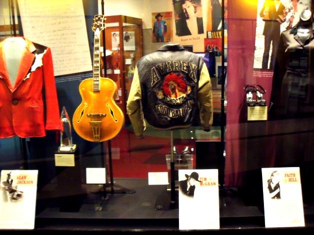 Country Music Hall of Fame - StowandTellU