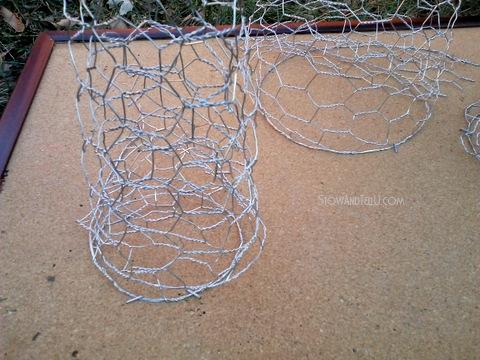 Chicken wire Trio of Christmas trees - StowandTellU.com