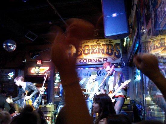 nashville-band-on-stage-honky-tonk-legends