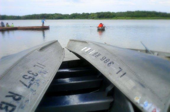 camping-resort-boats