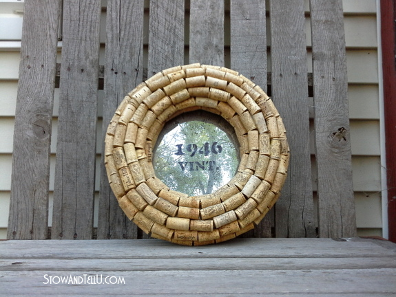 upcyled-wine-cork-wreath-with-mirror-lettering